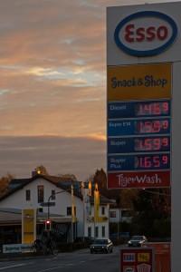 gasoline-prices-206924_1280