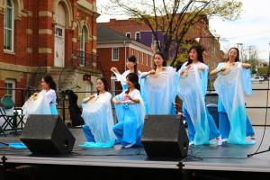 Long Silk Fan Dance